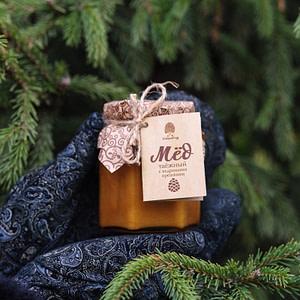 Мёд таёжный с перетёртыми кедровыми орешками 220 гр