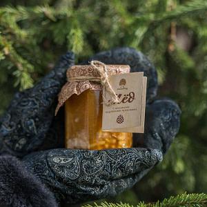 Мёд с цельными кедровыми орешками 220 гр