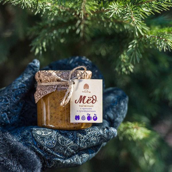 Мёд таёжный с орехами и сухофруктами