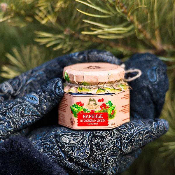 Варенье из сосновой шишки с брусникой 120 гр