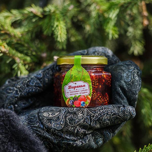 Варенье из сосновой шишки с лесными ягодами 140 гр