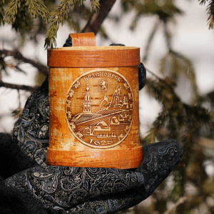 Kruzhka v bereste s ruchkoy 2 300x300 - Самые интересные подарки из Сибири: где их искать?